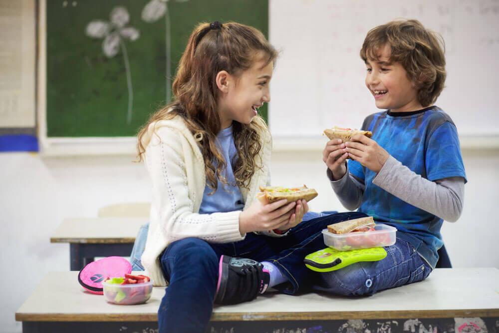 Prêt à Paquet Sandwich and Snack Kits